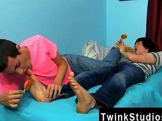 驚人的twinks康納bradley和泰勒螺栓是在一個晚上的心情