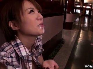 日本女孩攻擊好成熟女人在hotel.avi