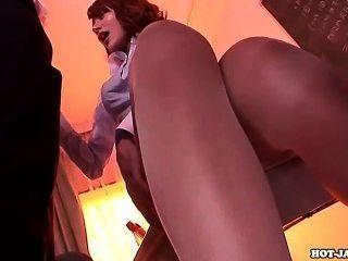 日本女孩在bed.avi攻擊甜秘書處