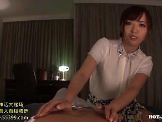 日本女孩誘惑在課堂上的猥褻姐妹