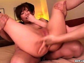 日本女孩他媽的性感的私人老師在bed.avi