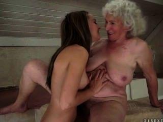 女同性戀之間grannie和十幾歲