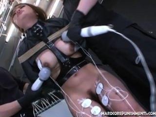 東方青少年有肛門鉤插入在她的屁股