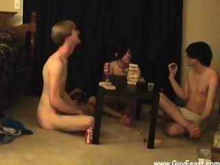 twink視頻跟踪和威廉姆與他們的新熟人聚在一起