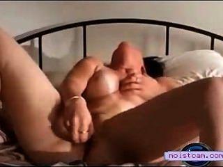 [xxx cam] horney成熟拍打玩具在她濕的貓![moistcam.com]