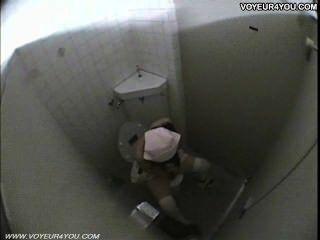 公共廁所女孩手淫