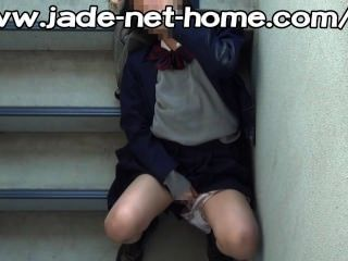 校園偷窺jk(學校女孩)緊急樓梯吉爾關閉
