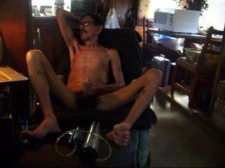 爸爸手淫後抽他的陰莖