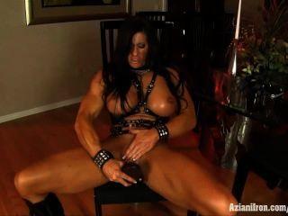 肛門鐵安格拉salvagno肌肉女人佩帶