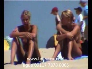 可愛的金發女孩在海灘隱藏的凸輪www.tele sexo.net 09117 7878 0065