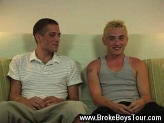 熱的同性戀場面在它的中間,喬宣布,這傢伙是計劃