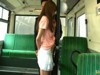 亞洲女孩他媽的在火車