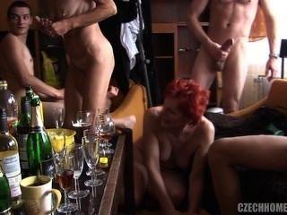 成熟狂歡派對3。