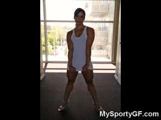 真正的熱肌肉的健身房女孩!