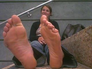 極熱的臭大小11鞋底