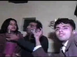 巴基斯坦青少年電話女孩