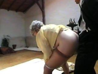 樂趣和與祖母的性