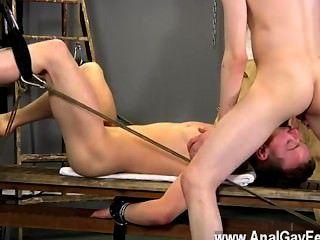 aaron的同性戀電影使用自己作為奴隸,他拾起了很多