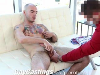 gaycastings tatted肌肉運動想要打破色情