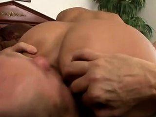 黑髮寶貝jynx迷宮有一個很好的屁股只是為他媽的