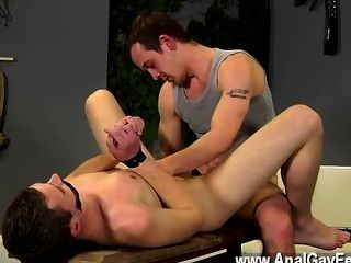 驚人的同性戀現場丹是最熱的青春男人之一,與他的繃緊