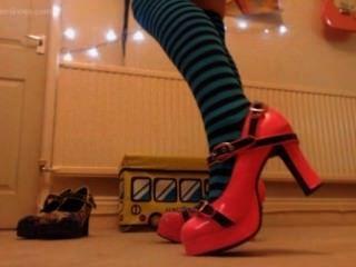 嘲諷奴隸與新的襪子