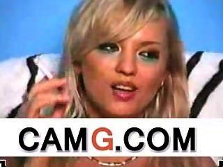 性感金發吸煙活在網絡攝像頭