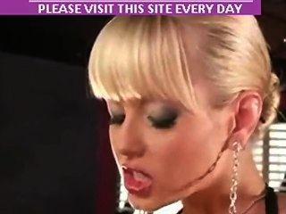 頭女主使cytheria噴,直到她哭泣