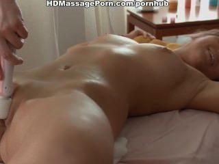 熱青少年加熱與vibro按摩,舔和性交