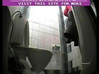 隱藏的凸輪在公共廁所