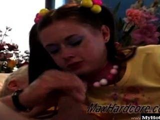 ann harlow只是最可愛的小18歲的黑髮