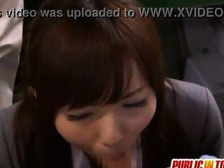 日本可愛的女孩yuuna喜歡公共性日本adult.com/pornh