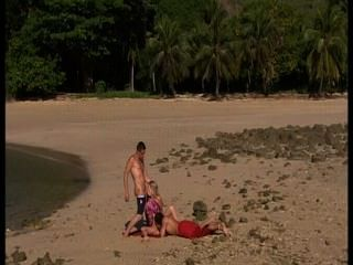 海灘上的女同性戀者