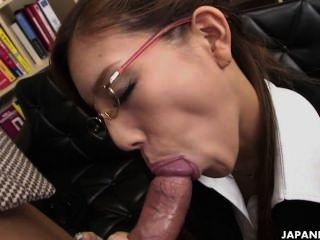 熱日本gal給了一個真棒footjob