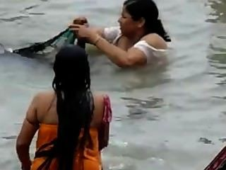 印度ganga洗澡2