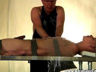 同性戀視頻捆綁和在他的爸爸的憐憫,亞歷克斯被做