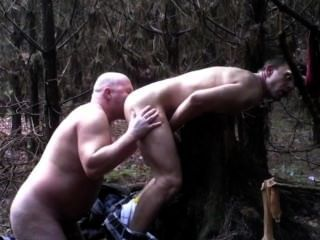 傢伙正在森林和他媽的#2