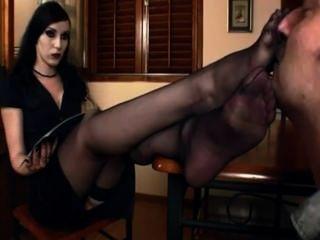女性在尼龍襪