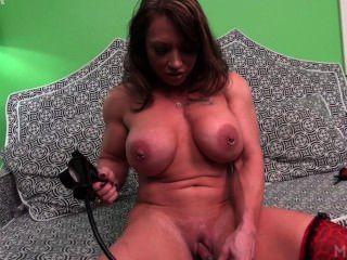 brandimae和她的clit泵