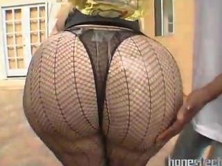 巨大的脂肪屁股成熟bbw在戶外性感的長襪