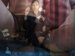 sissy訓練公雞崇拜hypno由性感的milf吸煙者