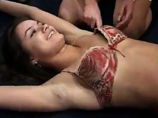 女孩雙重發癢在珠子