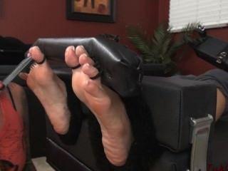 不間斷腳癢癢sasha foxxx