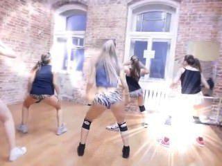 性感的俄國Twerking舞蹈隊形式妖怪winer