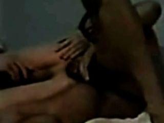 淋浴動作加上一個怪物黑色的公雞他媽的一個年輕的白人男孩在屁股