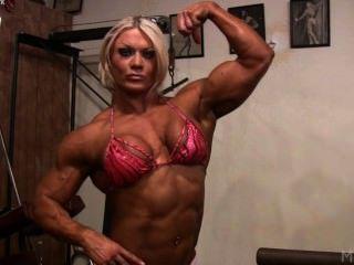 lisa十字架在健身房裡弄髒