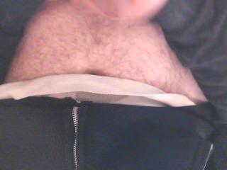 內褲的男孩下來在工作休息室