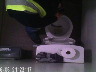 交付司機採取小便隱藏的照相機