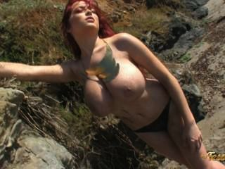 tessa fowler:裸照金