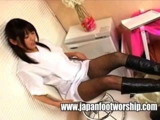 腳戀物癖靴子和連褲襪